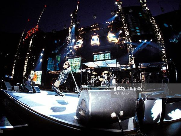 U2 -Wembley Stadium ,Londres ,Angleterre 12/08/1993