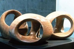 A touch of Henry Moore (3)