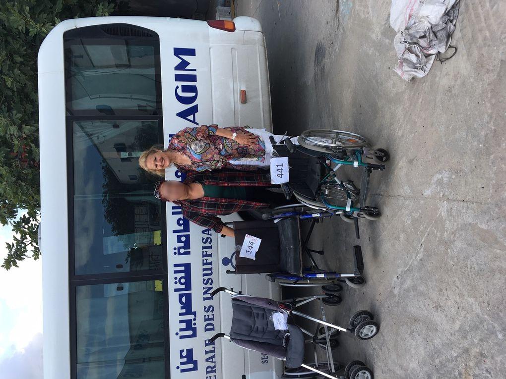 """Chaise de douche fournie par Sahara Espoir en complément des fauteuils roulants remis par la """"Fondation des fauteuils roulants en Tunisie"""""""