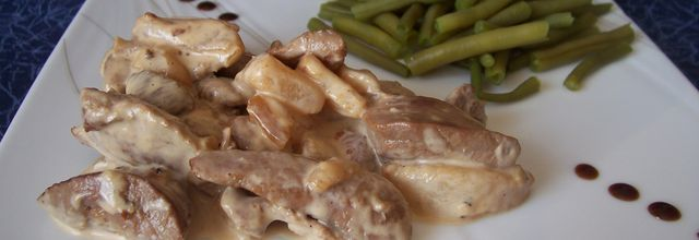 Aiguillettes de canard, miel, poire et poivre rouge de kampot