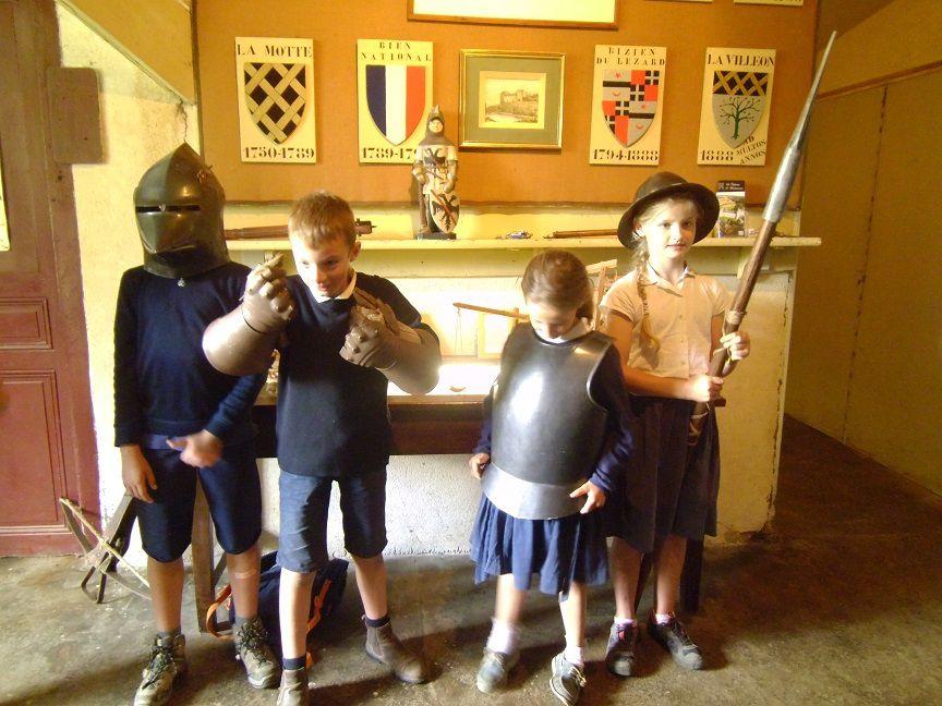 Sortie de classe des CM1 à Dol de Bretagne et au château de Montmuran