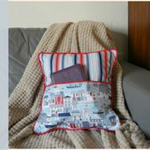 How to Sew a Cushion With a Pocket - Tea and a Sewing Machine