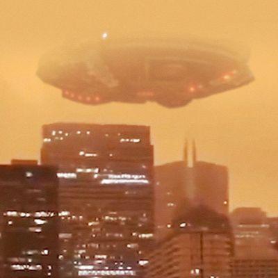 👽 Huge UFO Spotted in The Orange Sky of San Francisco