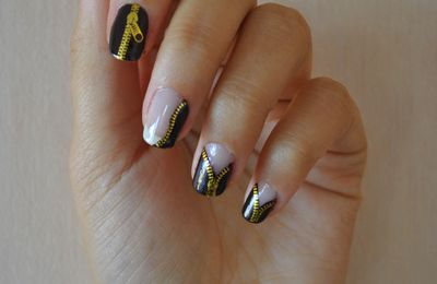 Nail Art - Let me see you stripped