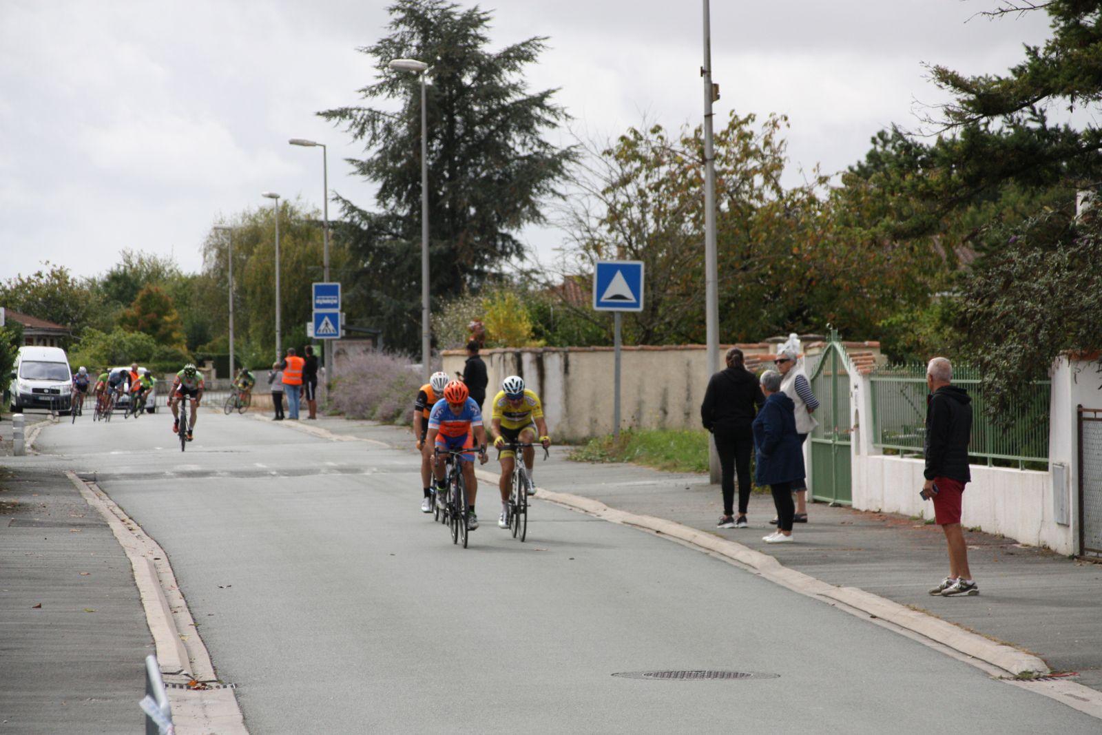 Sortie  à  3  Pierre  BEGUIER, Christophe  DAVIAUD  et  Patrice  BOUILLER