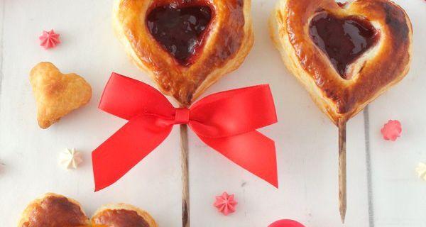 Pie Pops aux Fruits Rouges pour la St Valentin {Tartelettes Sucettes}
