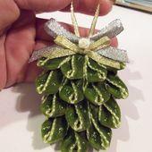 Pomme de pin pour le sapin de Noël - Elkalin.Couture,broderie main machine