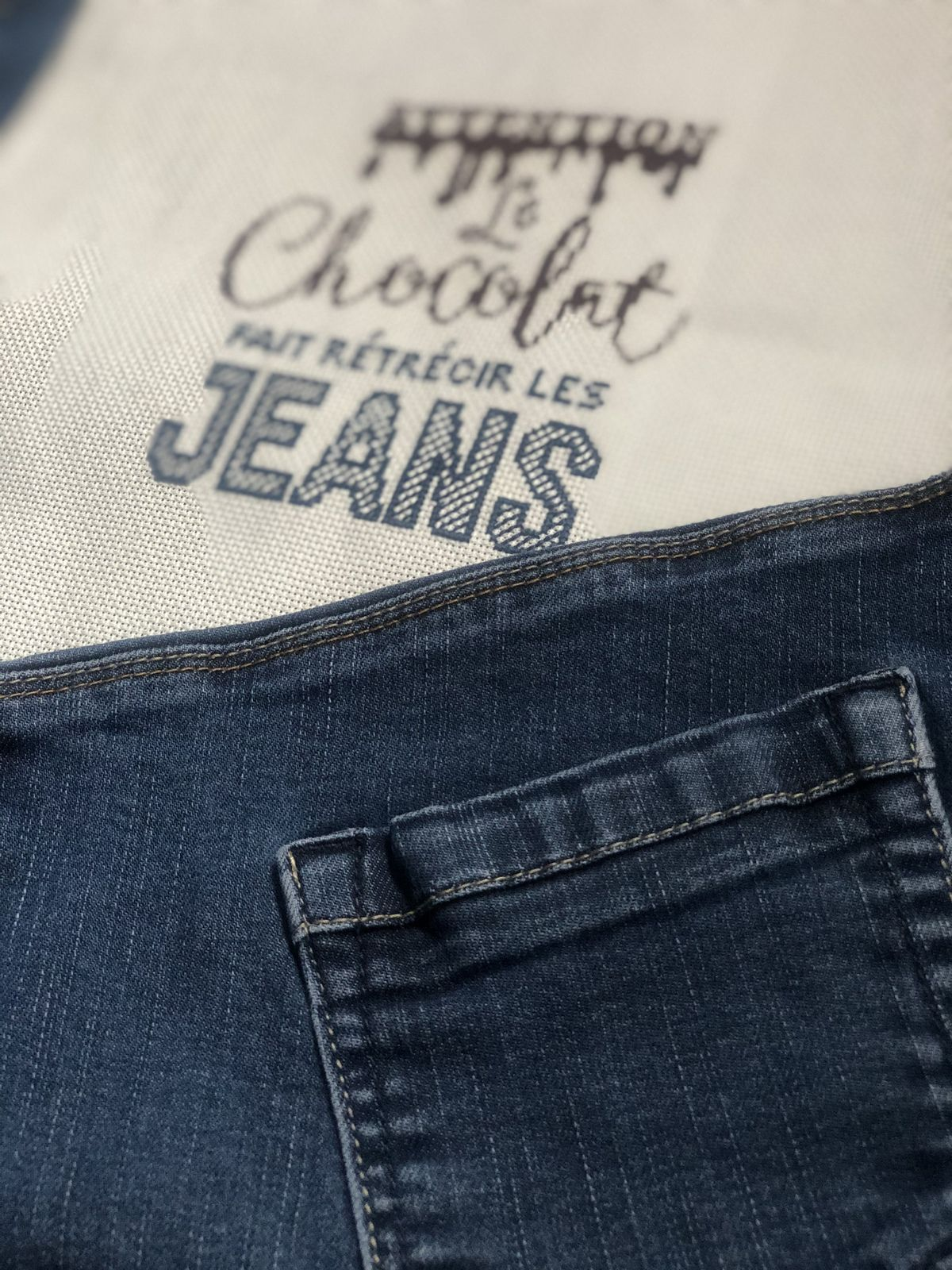Attention le chocolat fait rétrecir les jeans