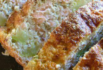 Cake aux courgettes & au saumon fumé (sans farine, aux sons)
