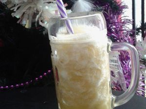 Smoothie Ananas, coco, gingembre