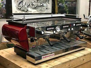 La Cimbali, très présente dans les bons cafés parisiens et La Marzocco, la favorite des baristas