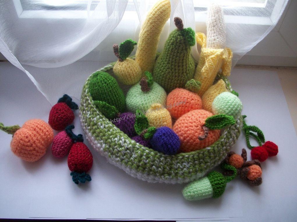 Modèles et grilles gratuites : http://crochetgratuitdes8jika.blogspot.fr/