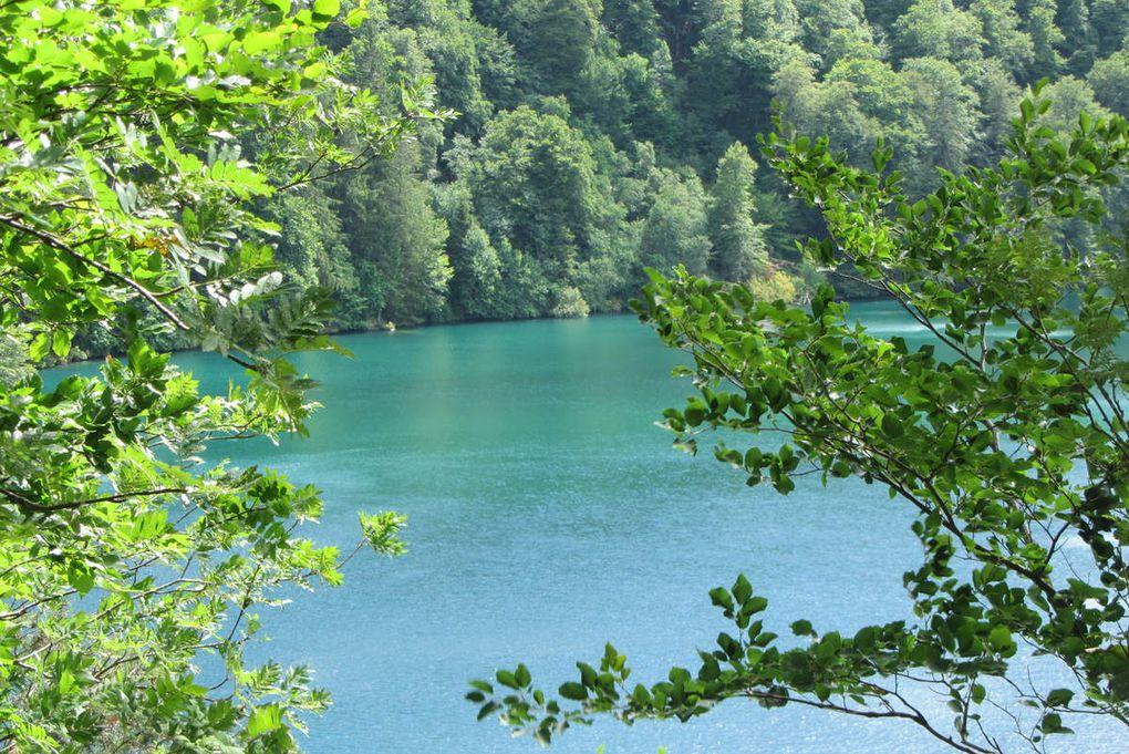 Le lac Pavin et Besse-et-st-Anastaise ( Auvergne )