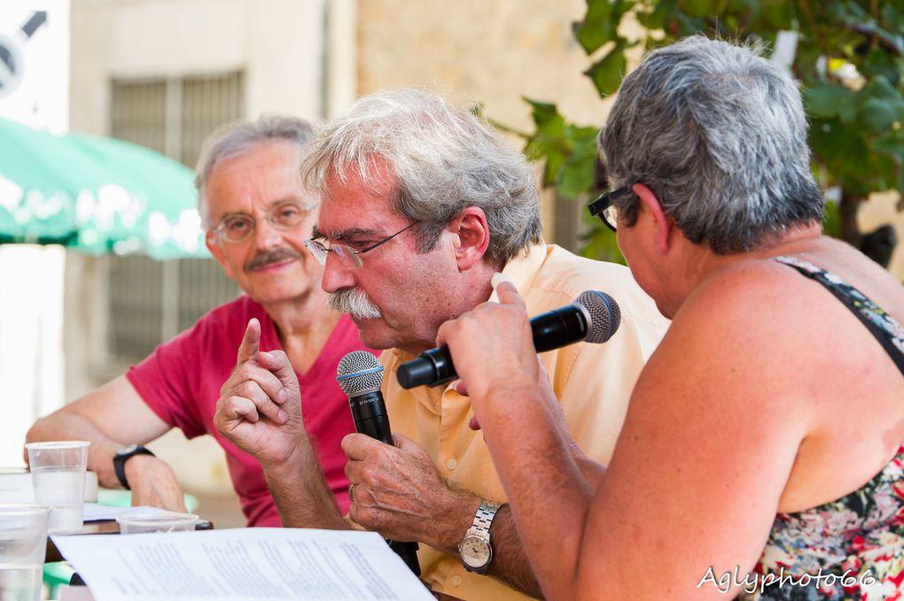 Jaume Cabré répond aux questions de Carole Vignaud et Bernard Revel devant un public attentif qui, à son tour, s'adressera à lui en français ou en catalan (à l'image de Michel Adroher, prix Vendémiaire 2013).