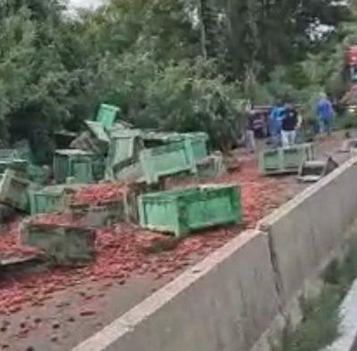 PRIMO PIANO E ANTEPRIMA Incidente mortale sul Raccordo: chiusa la strada da Atripalda a Serino A perdere la vita un camionista. Ancora da chiarire la dinamica