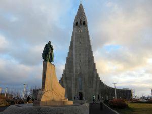 La péninsule de Reykjanes et la ville de Reykjavik