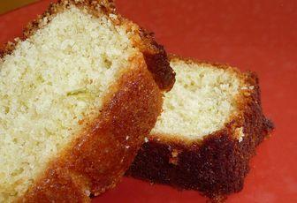 CAKE RHUM ET CITRONS VERTS