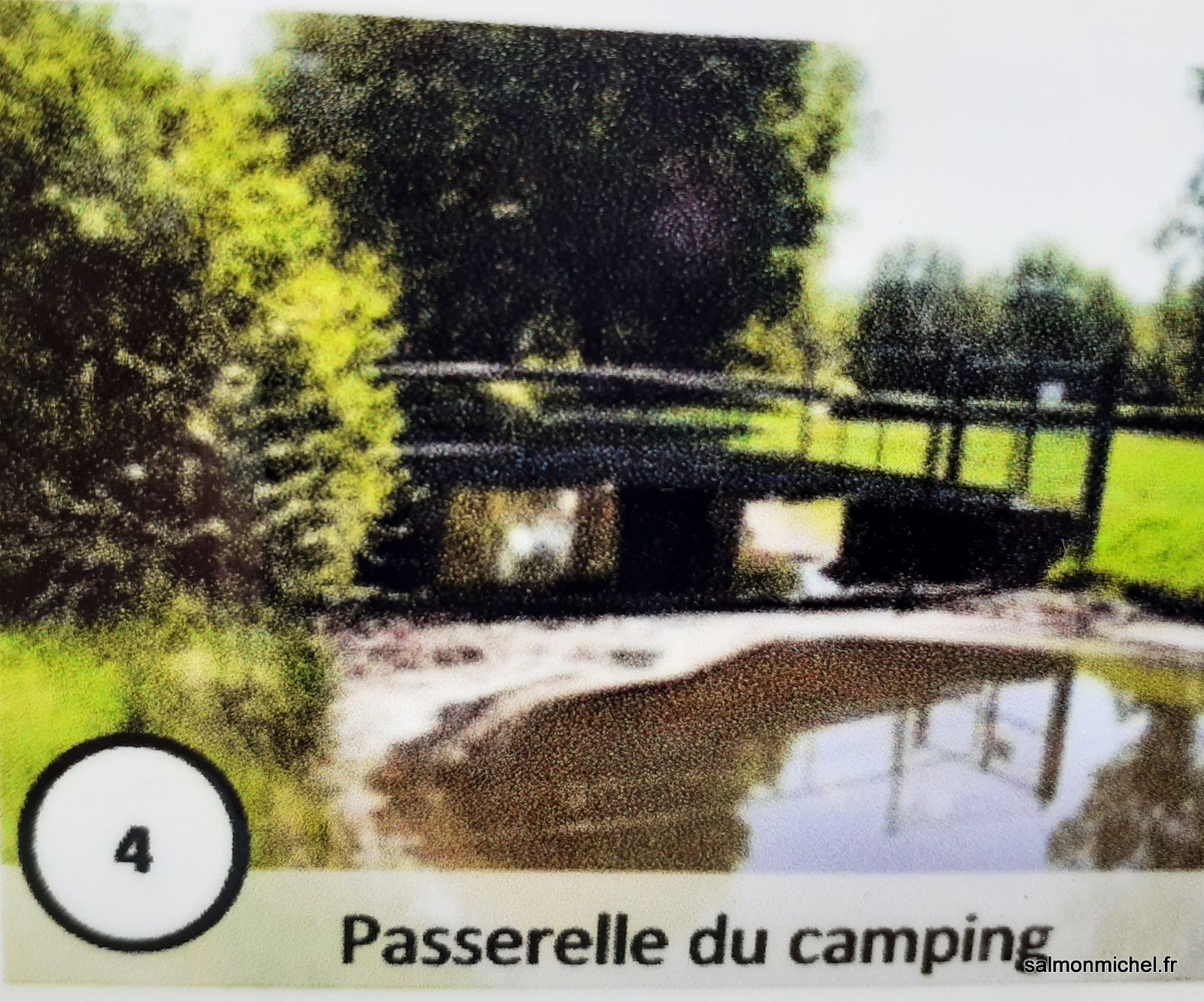 """La """"piscine"""" à Autun - Images exposées sur la """"vanne guillotine"""""""