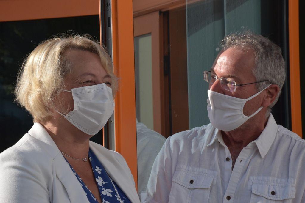 Isabelle Assih, maire de Quimper et Bernard Rioual, directeur de l'école