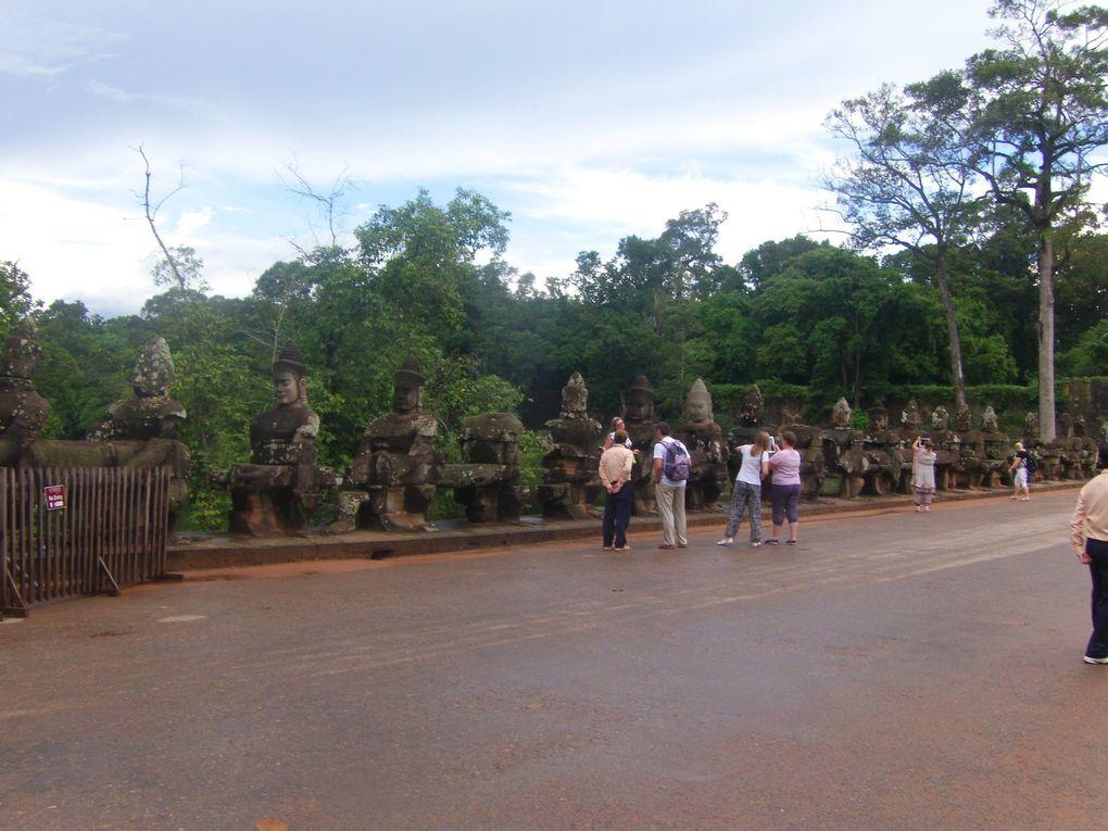 Voyage à Angkor au Cambodge..... 1ère journée, les temples Bayon, Baphuon et divers.