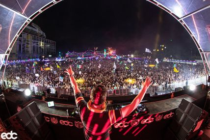 New page Tiëstolive, Facebook has deleted the first page with 20000 fans !!!
