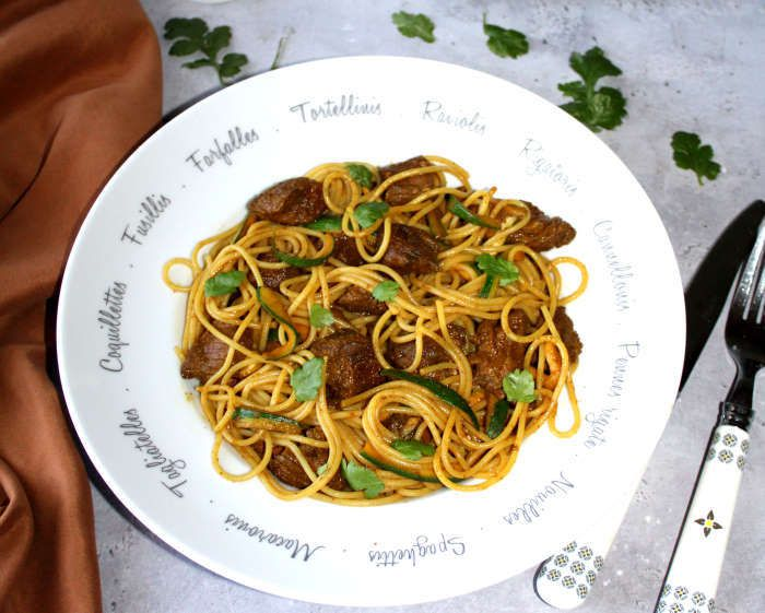 spaghettis-courgette-boeuf-plat-complet