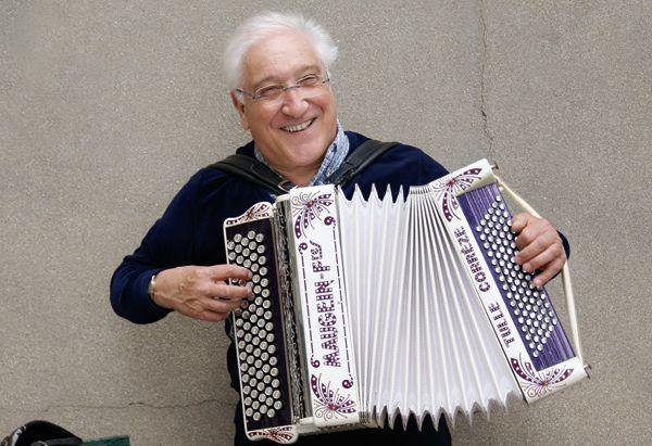 Daniel colin, un grand accordéoniste français qui est aujourd'hui le digne représentant du style  musette