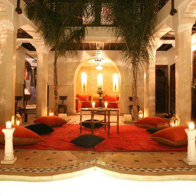 Le Riad  est une ancienne demeure, entièrement rénovée avec amour et passion,
