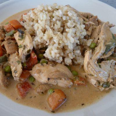 Champignons Pieds de mouton et légumes au poulet et curry matsaman