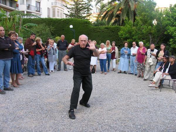 Bienvenue dans l'album photos de monquartier.net, le site du quartier Grosso, Fleurs, Baumettes à Nice. Plus de 150 photos ! Vous pouvez aussi publier une photo, il suffit de l'envoyer à blog@monquartier.net  Pour voir une photo, cliquez dessus.