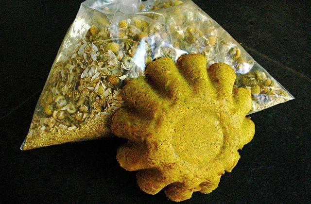 Shampoing solide curcuma-avoine-camomille (pour cheveux secs et clairs)