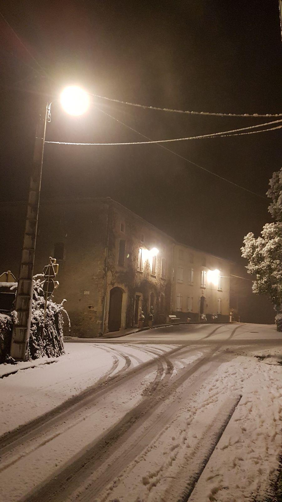 Cassagne - la neige la nuit...