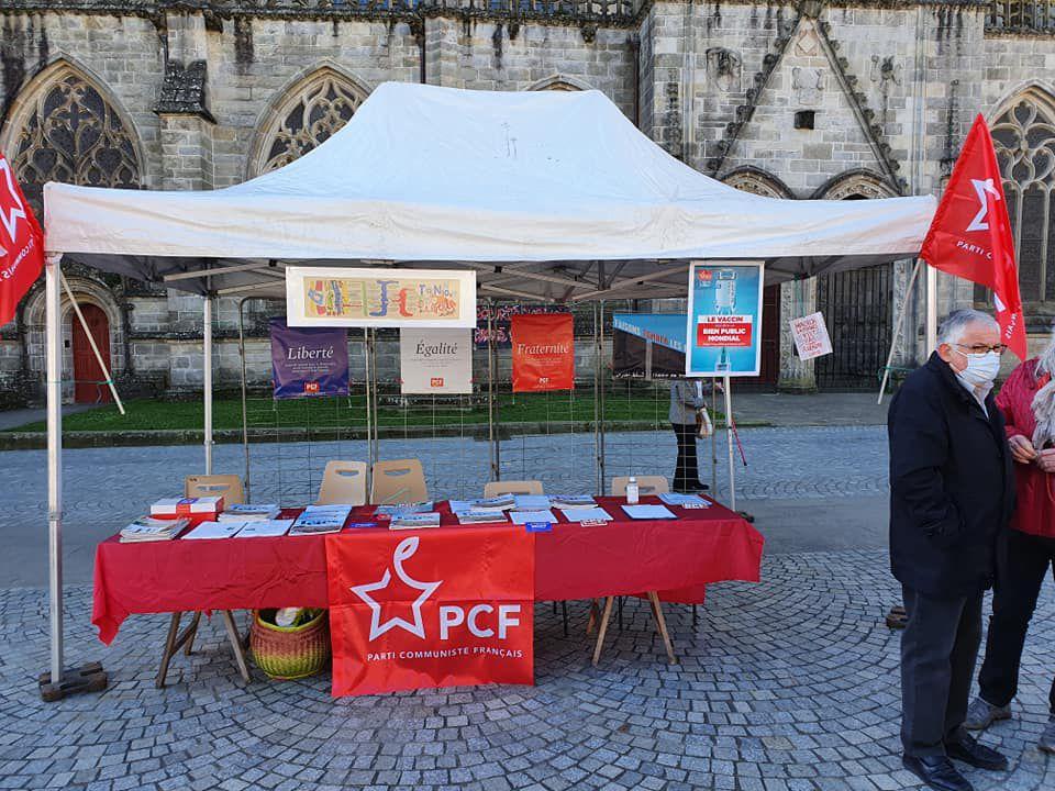 Contre la loi sécurité globale, les camarades du PCF présents à Quimper au village des Libertés initié par la LDH - 20 mars
