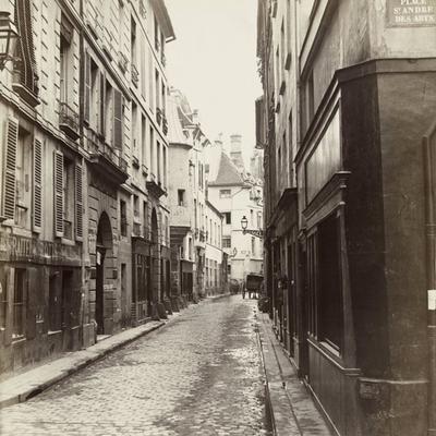 Louise Michel : la rue de Hautefeuille et l'éducation populaire