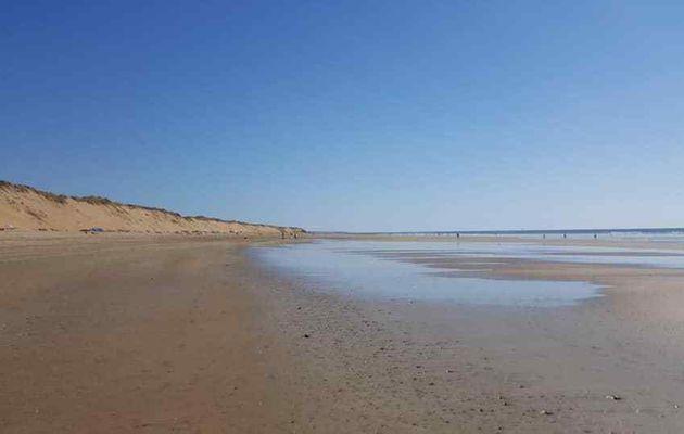 La plage de Sauveterre à Olonne sur mer en Septembre