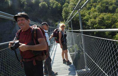 Aujourd'hui randonnée autour du lac de Monteynard et ses passerelles himalayennes