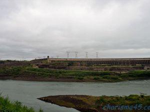 Usine Hydro-électrique d'Itaipu (Brésil en camping-car)