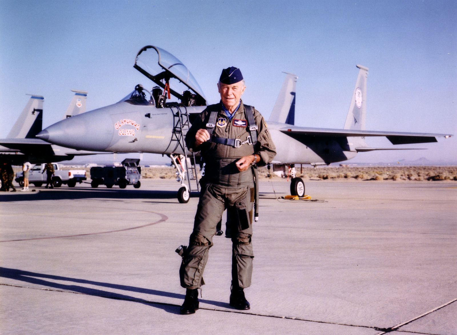 Chuck Yeager - 14 octobre 1997 - 50 ans du passage du mur du son - anniversaire - Edwards Air Force Base - USAF
