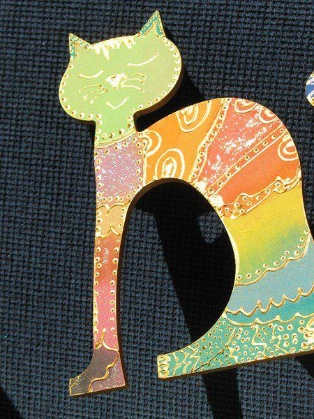 """En contreplaqué, entièrement décorés à la main. Une face décorative vernie. L'autre face, non vernie, peut être utilisée comme dessous de plat. Pour une commande similaire ou personnalisée, utilisez la rubrique """"contact"""" en haut de ce site ou celle du nouveau : http://www.lalutiniere.com/me-contacter-a112994344"""