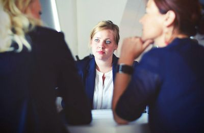 5 Factors to Hire a Virtual Assistant