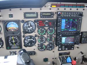 Voici le nouvel avion de notre flotte, un Piper Saratoga II HP PA32R-301