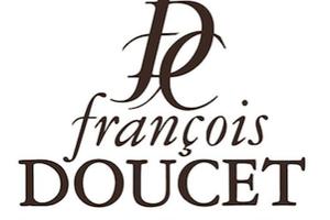 Francois Doucet Confiseur récolte l'amande de Provence