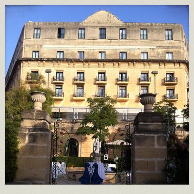 Sweet dreams at the Phoenicia Hotel (Malte # 3)