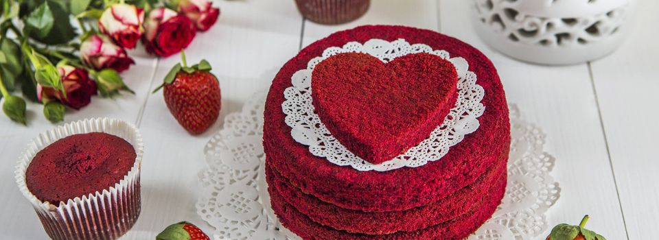 Guide to Buy Delicious Cakes for Your Child's First Birthday