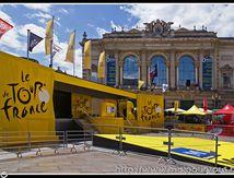 Le poduim du Tour de France Place de la Comédie à Montpellier ...