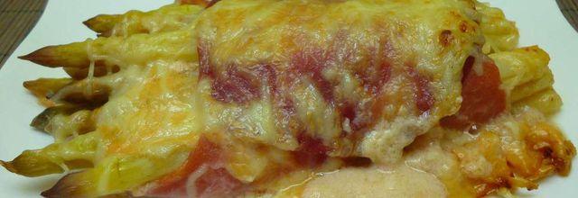 gratin d'asperges au jambon et coppa crème au parmesan