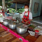 Vente à emporter - Scènes de la vie quotidienne (21-11) - Noy et Gilbert en Thaïlande