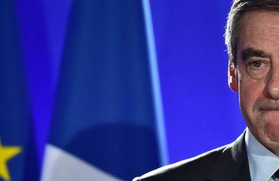 """Affaire du """"cabinet noir"""" : le parquet national financier n'enquêtera pas sur les soupçons dénoncés par Fillon"""