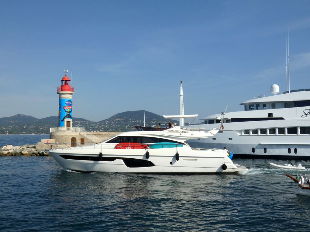 CARE ONE , sortant du port de Saint Tropez le 12 aout 2020