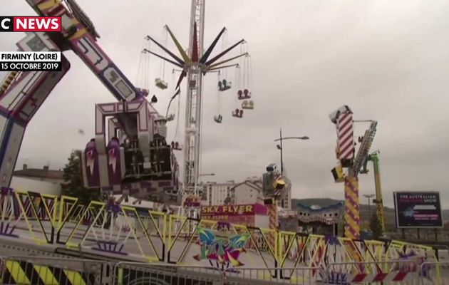 Loire : Une femme de 23 ans meurt éjectée d'un manège de type «chaises volantes»